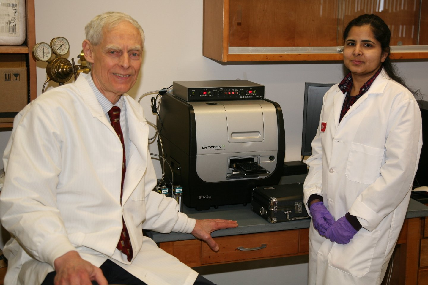 Eye Research Institute receives grant for instrument to study cataract disease