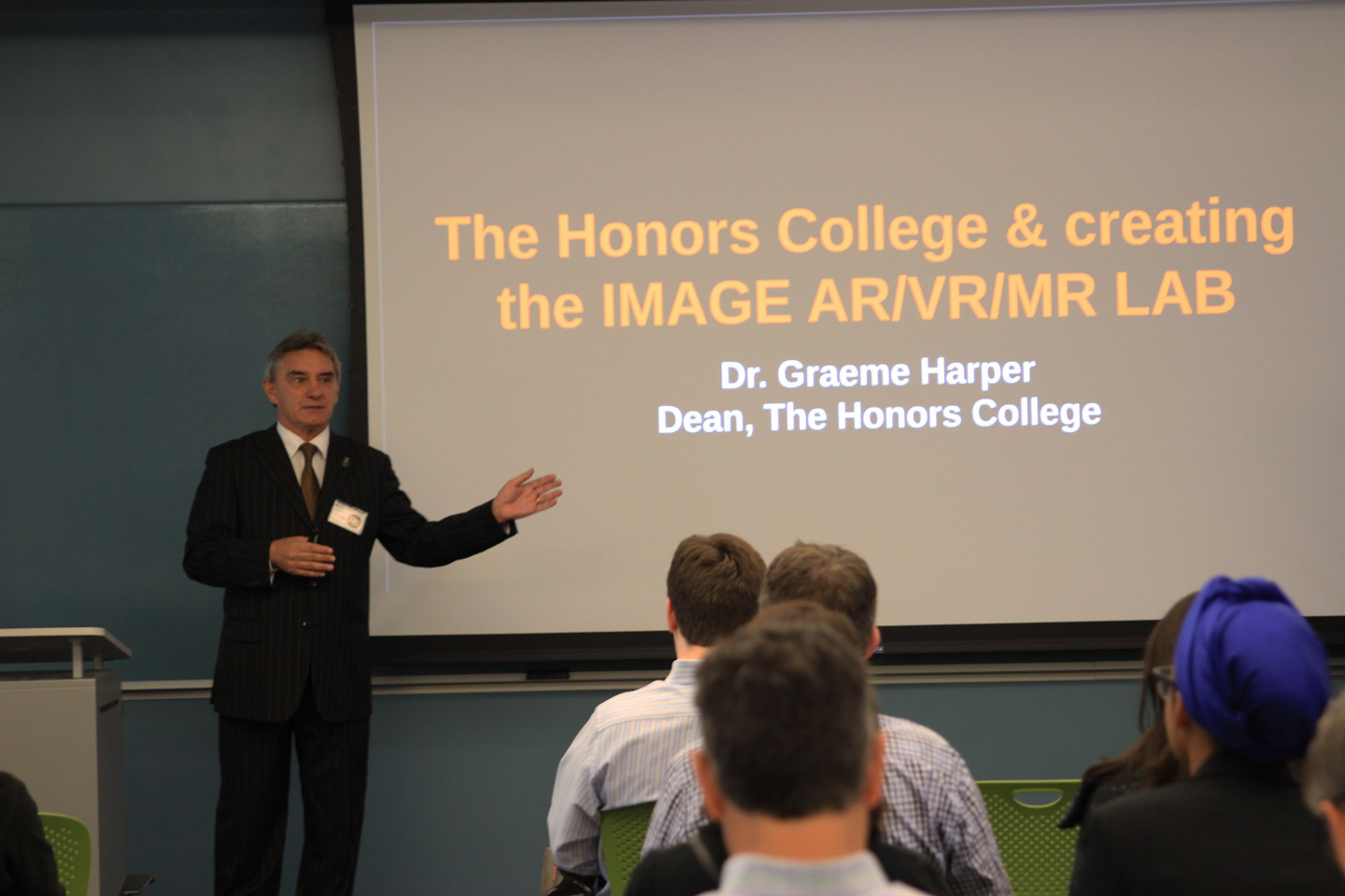 Honors College establishes Augmented Reality/Virtual Reality Lab