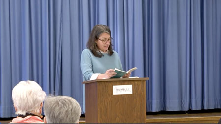 English professor shares memoir with hometown audience