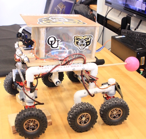 Robot designed by student for TARDEC project